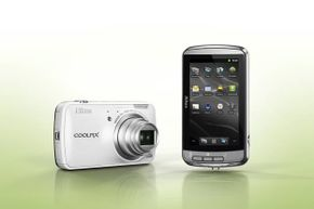 After taking a snapshot with the Nikon Coolpix S800c , you can edit the image directly in the camera and upload it to your favorite social network via built-in apps.