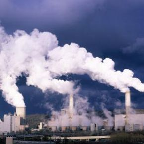 Coal-fire power plants like this one contribute immensely to air pollution. Solar power does not.