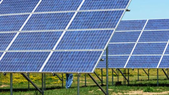How does solar power help the environment?