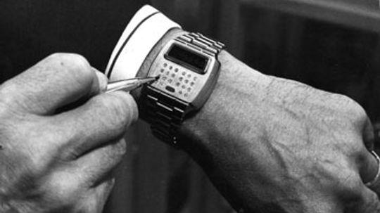 How the Sony Smartwatch Works