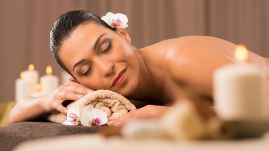 How do you get a job as a spa reviewer?