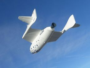 SpaceShipOne glides down for approach to the Mojave airport.