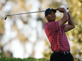 How awesone would it be to get advice on your swing from golf greats like Tiger Woods?