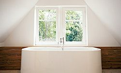 Keep your tub sparkling clean without breaking your back.