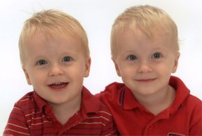 Marshall Brain's twins at age 3.