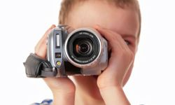 Thanks to the lightweight, portable models, the whole family can use the video camera.