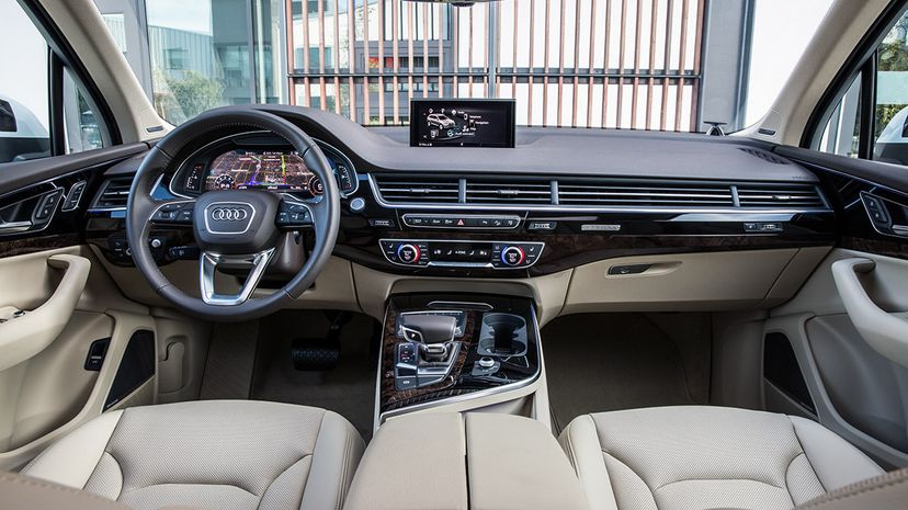 The Audi Q7 is loaded with technology and safety features, including Audi pre sense city, which detects vehicles as well as pedestrians, and collision avoidance assist. Audi