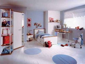 Pale blue and white look great with modern furniture, especially when you use accents in vibrant red.