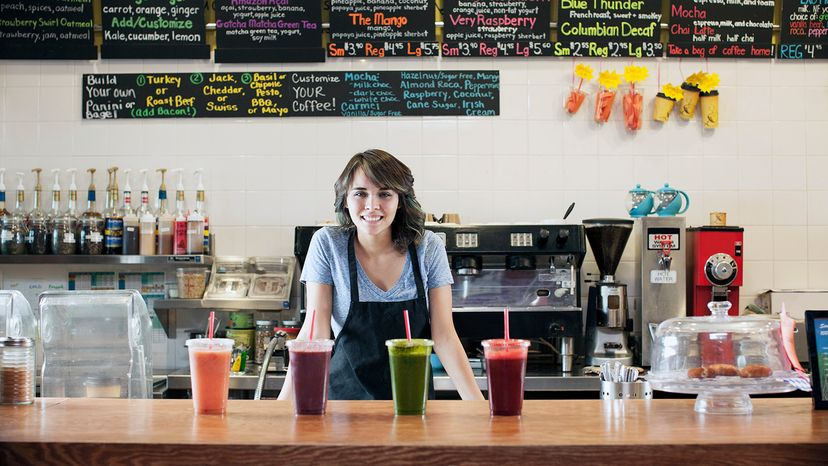 girl working at smoothie shop