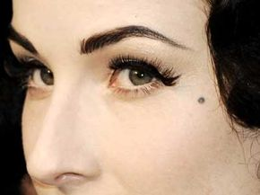 That mole may be more than a mere beauty mark -- it might indicate a long life. A 2007 dermatology study conducted at King's College London indicates that people with more moles often have longer telomeres.
