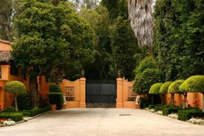The entrance to the famed Hearst Mansion in Beverly Hills, shortly after it was put on the market in 2007.