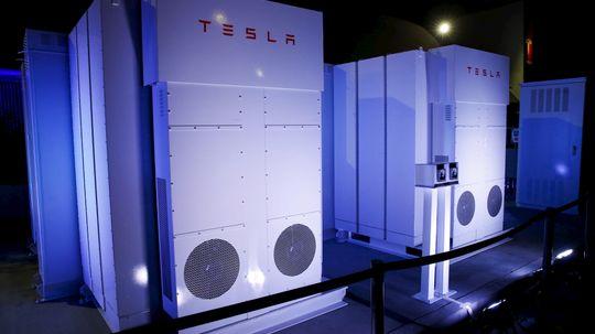How the Tesla Powerwall Works