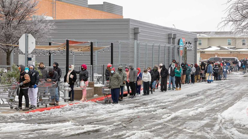 Texans in line for food
