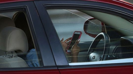Most People Think Texting While Driving Is Fine, Study Says