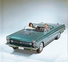The 1965 Comet Cyclone Sportster built by Gene Winfield was featured in the Lincoln-Mercury Caravan.