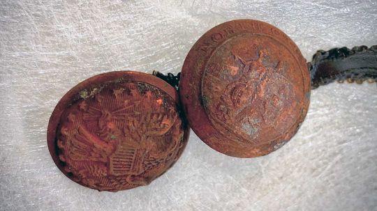 19th-century Time Capsule Discovered Beneath Confederate Memorial