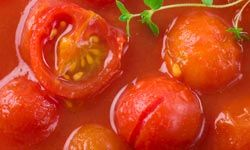 Learn how to peel tomatoes if you want to make delicious sauces.
