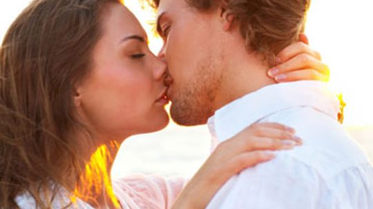 Can too much kissing damage your lips?