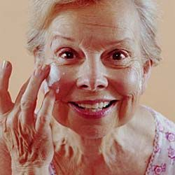 Retinol and soy compounds can build collagen fibers to delay wrinkles.