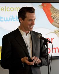 Popular Web Sites Image Gallery San Francisco Mayor Gavin Newsom speaks at Twitter headquarters. See more pictures of popular web sites.
