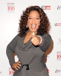 Oprah gives a big thumbs up to Twitter.