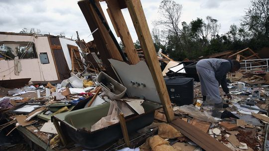 Should You Get in Your Bathtub During a Tornado?
