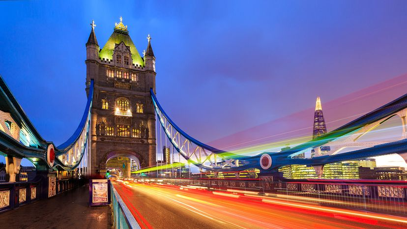 traffic on Tower Bridge