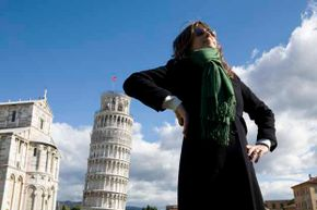 Here's a photo trick you can do with the Leaning Tower of Pisa.