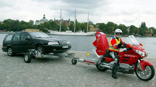 How to Tow a Two-wheel-drive Vehicle