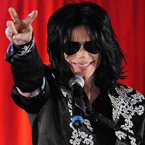 Police reported seeing about eight bottles of propofol in Jackson's rented mansion.