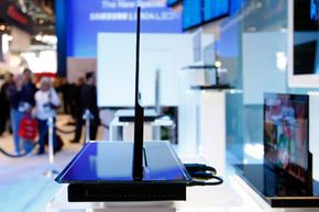 A side view of a 2009 prototype Samsung active matrix OLED. So slim!