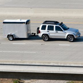 Even in light traffic, avoid speeding while towing a trailer.