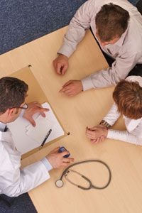 A health insurance company, hospital or independent organization can conduct a retrospective review.