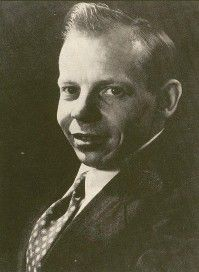 As editor of Amazing Stories and Fate, Ray Palmer was the first major commercial exploiter of flying saucers. He promoted some exotic UFO theories, notably that saucers were based inside a hollow Earth.