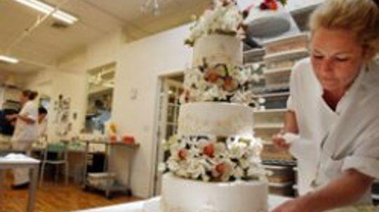 How to Make a Wedding Cake
