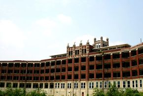 The imposing abandoned tuberculosis sanitarium at Waverly Hills in Kentucky.