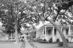 Beauvoir, the former home of Jefferson Davis, has been restored since Hurricane Katrina and provides a diversion for history-loving gamblers.