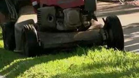 How do riding mowers work?