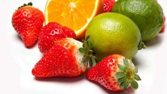 How does vitamin C benefit skin?