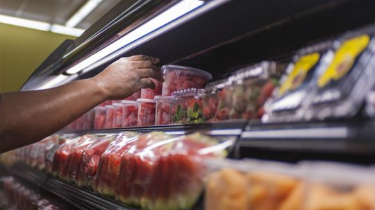What's safe to pack in your unrefrigerated lunch?