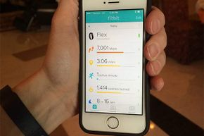 Thanks to Fitbit, this user can check his steps taken and calories burned and improve on those numbers.