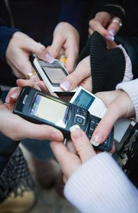 The federal government plans to send out emergency alerts.
