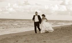 Don't wait till your wedding day to get in shape!  Take 12 months for fitness.