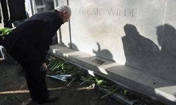 While Dorian Gray might have appreciated his (hypothetical) tombstone being debauched, Wilde might not have.