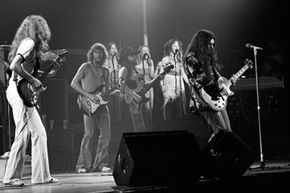 """Skynyrd plays the Fox Theater in 1976. Is this where the """"Play Freebird"""" phenomenon first began?"""