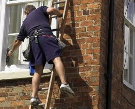 When using a ladder, safety should be your first priority. Try to avoid balancing on one leg.