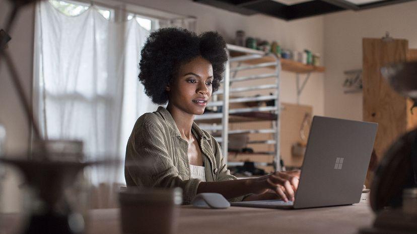"""Surface Laptop features a vibrant 13.5"""" edge-to-edge PixelSense™"""