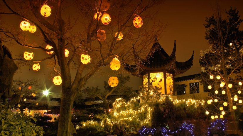 Chinese garden, lanterns