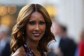 Image Gallery: Makeup Tips When she first started her modeling career, Iman had to mix her own makeup kit. See pictures of makeup tips.