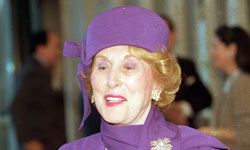The Lauder empire started with a family skin care formulation and tenacious sales tactics.